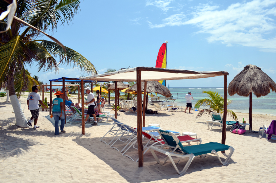 costa maya beach break